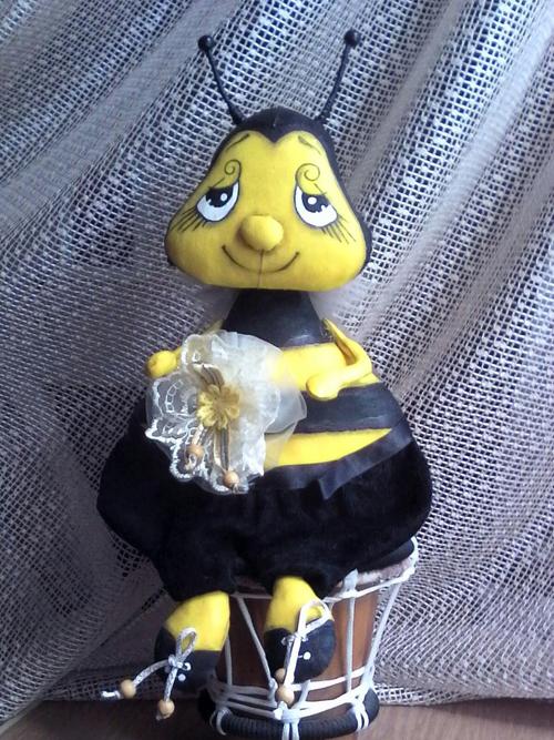 мнтерьерная кукла Пчела